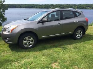 2013 Nissan Rogue 1 Owner New Snow Tires !!