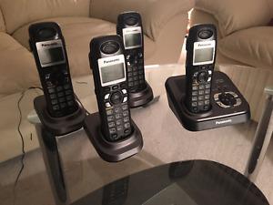 Panasonic Cordless Phone w/ 3 Headsets
