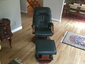 Avantglide leather chair and ottoman