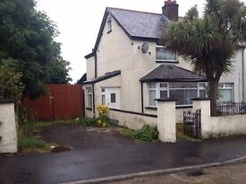 3 Bedroom house fully furnished Double Garage and large drive way 25 Coombhill Park BT14 6PH