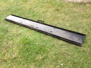 FRONT BUMPER FROM 1977 INTERNATIONAL LOADSTAR 1850 Windsor Region Ontario image 4