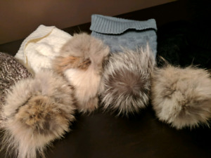 Real fur pompom hats, tuque