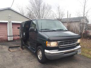 2000 E150 Handicap Van
