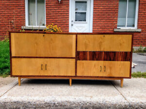 Unique Mid Century Rosewood Cabinet Sideboard Bar