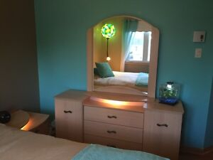 Mobilier de chambre à coucher 5 morceaux