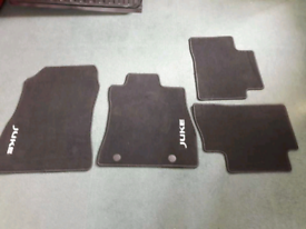 Genuine Nissan Juke car mats and trunk liner