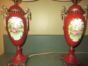 2 lampes en porcelaine avec abat-jour antiques et anciennes