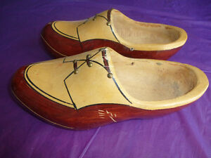 ANTIQUE HAND-CARVED & HAND-PAINTED DUTCH WOODEN SHOES Kingston Kingston Area image 2