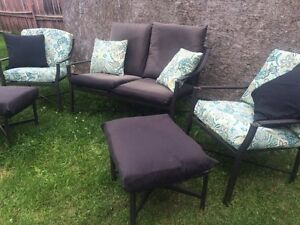 Patio set can deliver