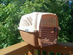 PetMate Pet Carrier for a Medium Size Dog or a large cat!