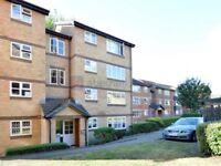 2 bedroom flat in Stubbs Drive, South Bermondsey SE16