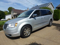 "2009 Chrysler Town & Country  ""STOW N GO ""  60,000 KILO"