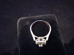 .31ctw 14k Gold Diamond Cluster Ring **SALE 50% OFF** Peterborough Peterborough Area image 2