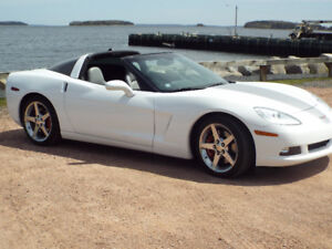 Mint C6 CORVETTE WITH ONLY 49,000km