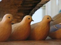 Sculptures d'oiseaux en bois