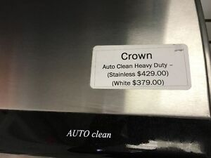 Crown - Auto Clean Heavy Duty Range Hood - Stainless/White London Ontario image 3