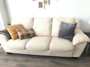 Natuzzi leather couch, great condition