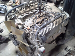 Triton 6.8l v10 engines