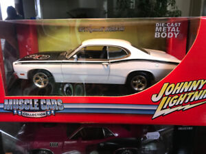 Plymouth Duster 1971 Johnny Lightning diecast 1/18 die cast
