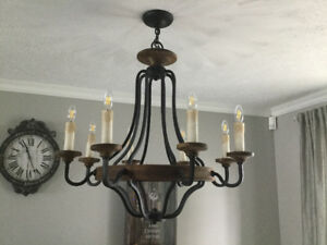 Luminaire style chandelier fer et bois à moitié prix