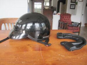 casque de moto hjc médium.