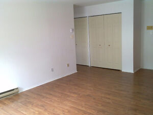 1 1/2 - 3 1/2 APARTMENTS FOR RENT West Island Greater Montréal image 4
