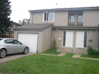 3 bedroom end unit townhouse with single garage in St. Albert