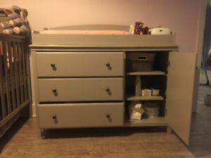 Changing Table with Removable Changing Station