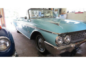 1962 Ford Galaxie Sunliner Convertible