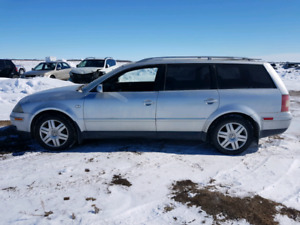 Parting out / wrecking: 2005 VOLKSWAGEN PASSAT Wagon * PARTS *