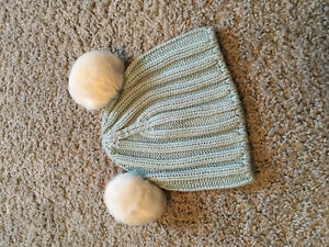 Adorable GAP baby hat - brand new/never worn