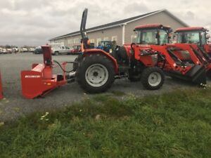 2017 MCCORMICK X1.35 WITH SNOW BLOWER *SPECIAL*