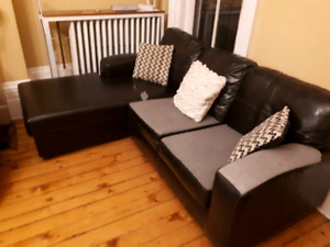 Free couch (+3 pillows)