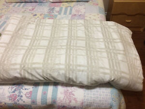 Comforter,Quilt,Throw London Ontario image 1