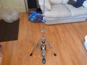 LUDWIG DOUBLE BRACED RED LABEL HI-HAT STAND AND PEARL BASS PEDAL