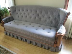 CHESTERFIELD & CHAIR SET