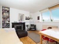 2 bedroom flat in Globe Road, Bethnal Green E2