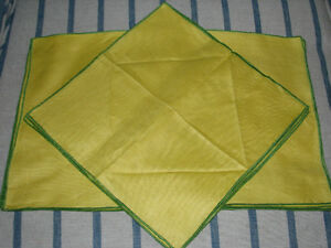 Vintage Linen Placemats and Napkins Set of Four, Yellow