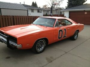 GENERAL LEE/ Dukes of Hazzard Meet- 1969 Dodger Charger/TV Cars/