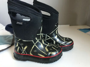 Boog Boots Toddler Size 8