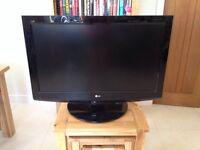 TV - LG 37in LCD