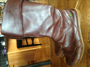 Naturalista brown leather boot