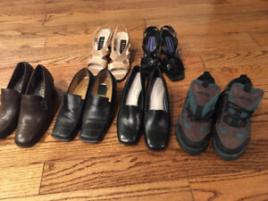 LOT OF WOMENS SHOES / SANDLES USED