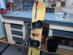 Planche à neige  BEARTRAP + Fixations pour bottes