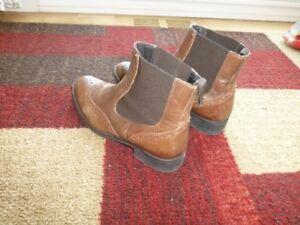 Bottillon ou boots cuir  haut de gamme couleur marron