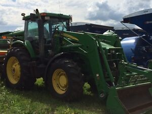 2004 John Deere 7920 MFWD tractor and loader