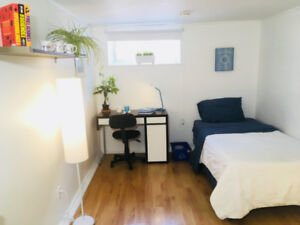 Very Clean Basement ROOM for Rent (Lawrence E & Victoria Park)