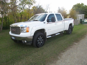2011 GMC Sierra 2500 Ultimate GFX Pickup Truck
