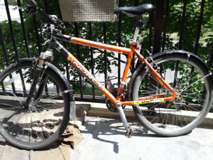 ~Norco 21 Speed Mountain Bike - Medium Size Well maintained~