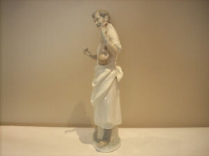 """LLADRO """"OBSTETRICIAN"""" DOCTOR FOR SALE West Island Greater Montréal image 2"""
